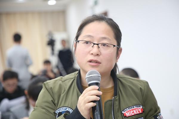 1.中国青年报记者.jpg